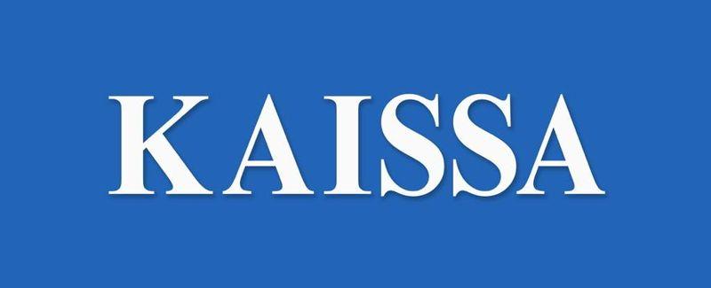 Logo-KAISSA-Blanc-sur-fond-bleu-qualité-moyenne